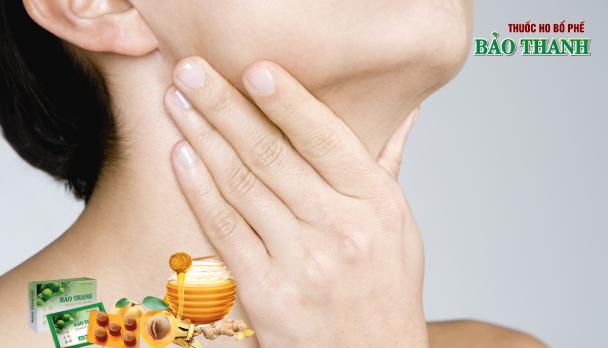Cách giảm ngứa họng, ho dai dẳng cho người cao tuổi từ 5 bài thuốc dân gian đơn giản
