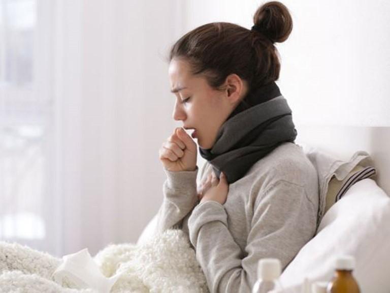 Cảm lạnh, cảm cúm có thể tự khỏi nhưng những cơn ho dai dẳng nhiều ngày sau đấy mới thực sự là nỗi ám ảnh người bệnh