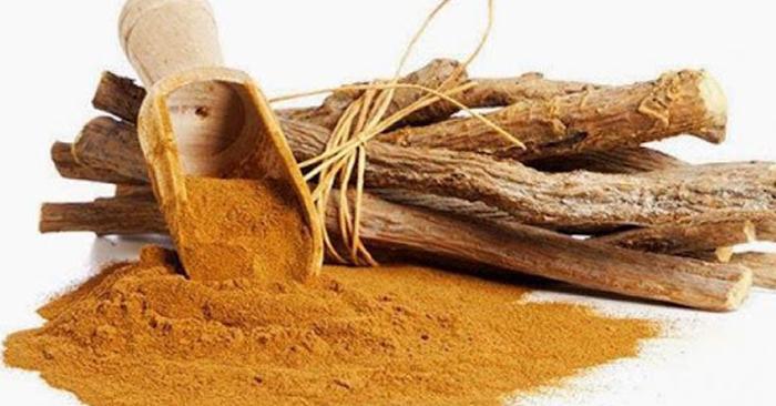 Trà cam thảo có vị ngọt, có chứa thành phần kháng khuẩn, giúp làm dịu họng và giữ ấm cơ thể