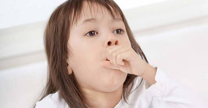 Cổ họng bị kích ứng, sưng đau, tiết ra nhiều đờm nhầy sẽ dẫn đến phản xạ ho